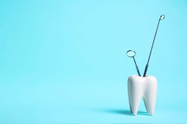 ایمپلنت بعد از کشیدن دندان