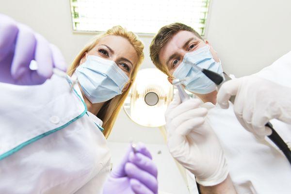 کشیدن دندان یا درمان ریشه